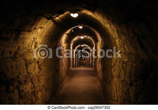 Sombre Long Couloir