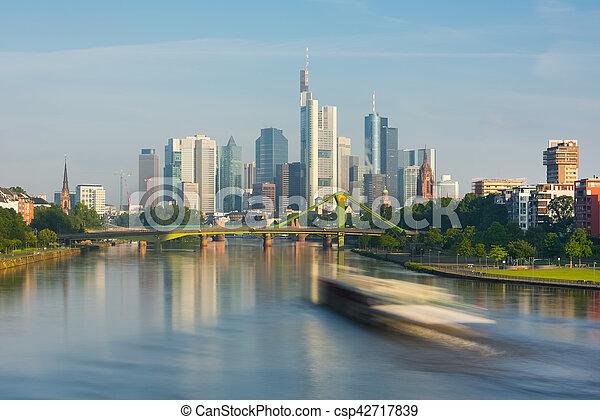 Morgen Frankfurt cityscape sommer frankfurt morgen stockfotos suche fotografien