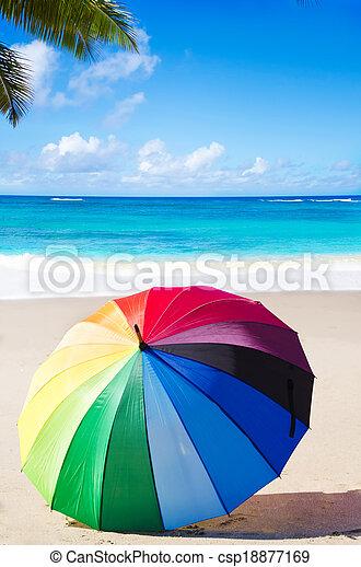 sommer, schirm, hintergrund, regenbogen - csp18877169