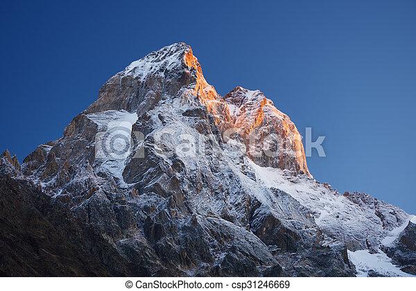 sommet montagne, ushba - csp31246669