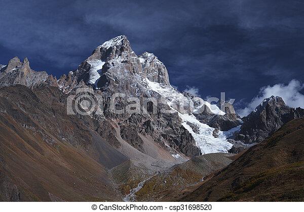 sommet montagne, ushba - csp31698520