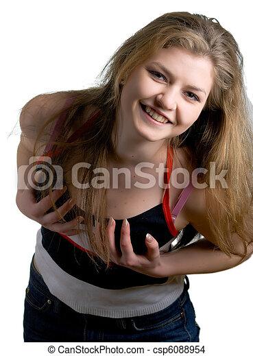 Una chica sonriente en blanco - csp6088954