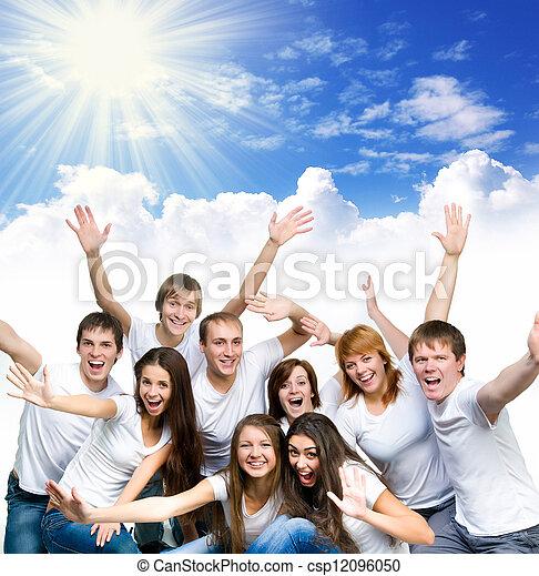 Gente joven sonriendo - csp12096050