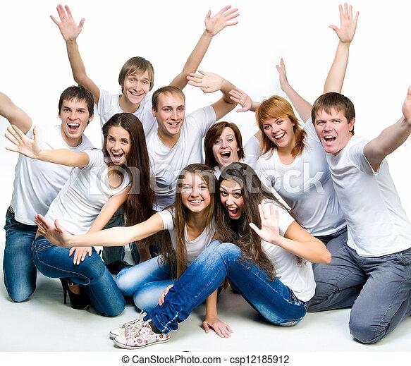 Gente joven sonriendo - csp12185912