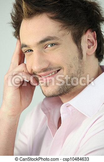 Sonriendo joven - csp10484633