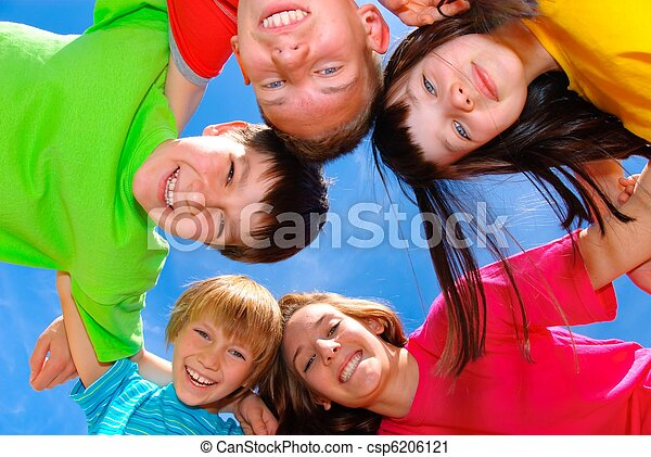 Sonriendo niños - csp6206121