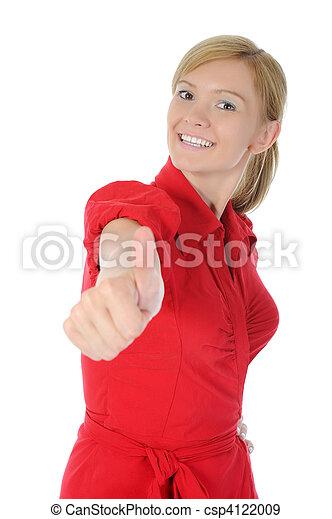 Chica sonriente en rojo con el pulgar hacia arriba - csp4122009