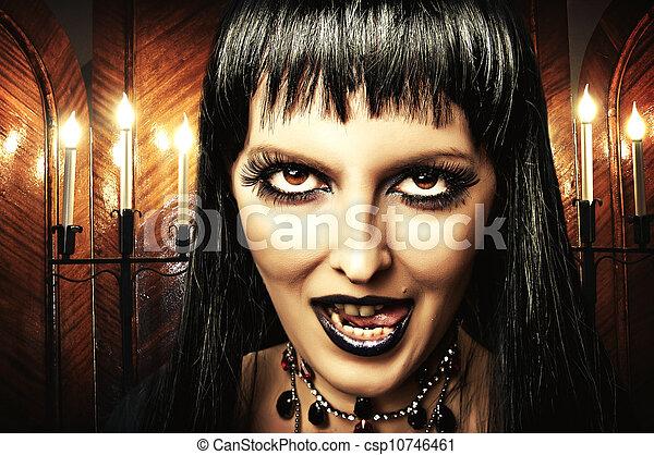 sorci re gothique femme brunette maquillage yeux. Black Bedroom Furniture Sets. Home Design Ideas