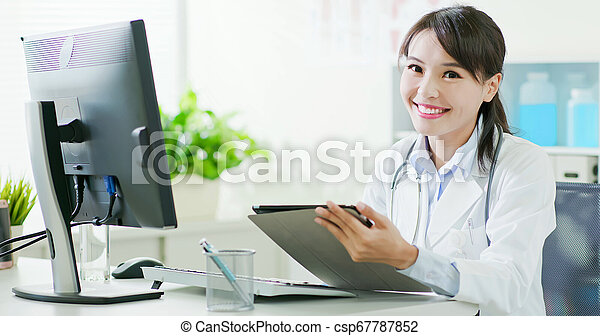 sorrizo, tu, doutor mulher - csp67787852
