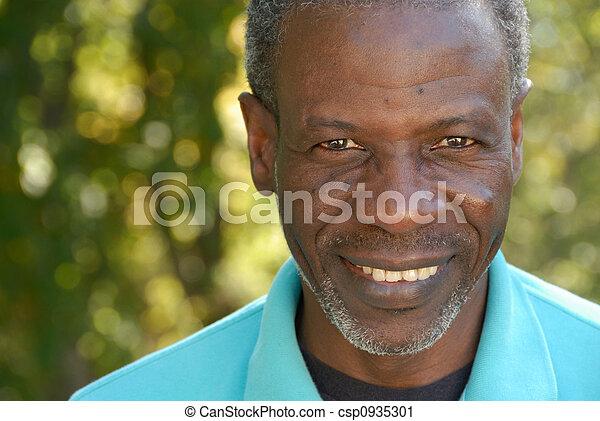 sourire, homme mûr - csp0935301