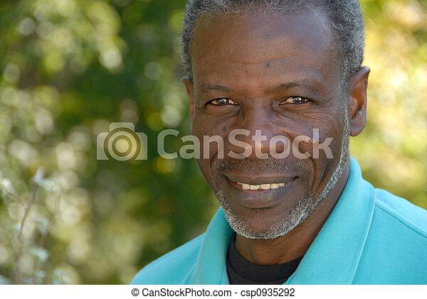 sourire, homme mûr - csp0935292