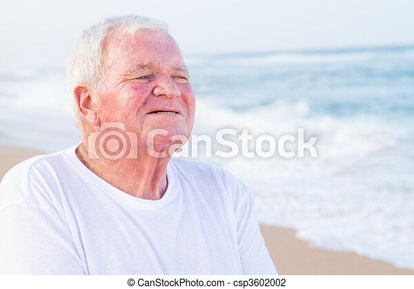 sourire, personne âgée - csp3602002