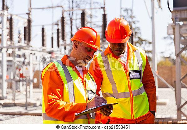 sous-station, technicien, personne agee, ingénieur électrique - csp21533451