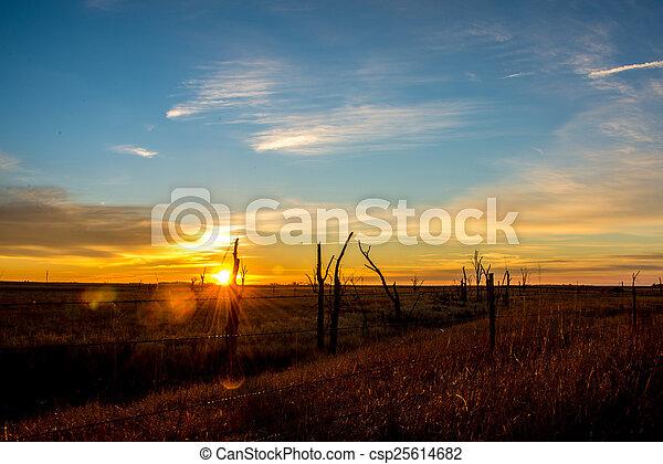 South Dakota Sunrise - csp25614682