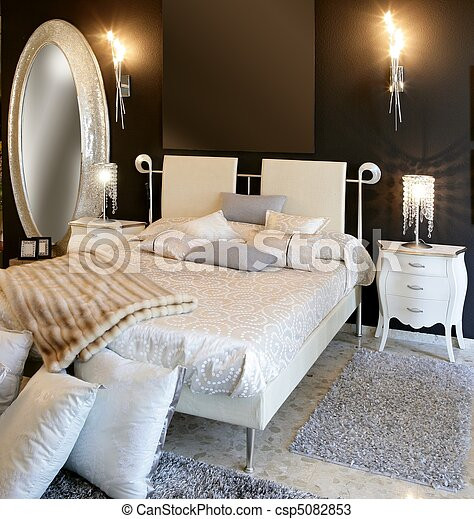 Soveværelse, moderne, seng, spejl, oval, hvid, sølv. Mur,... stock ...