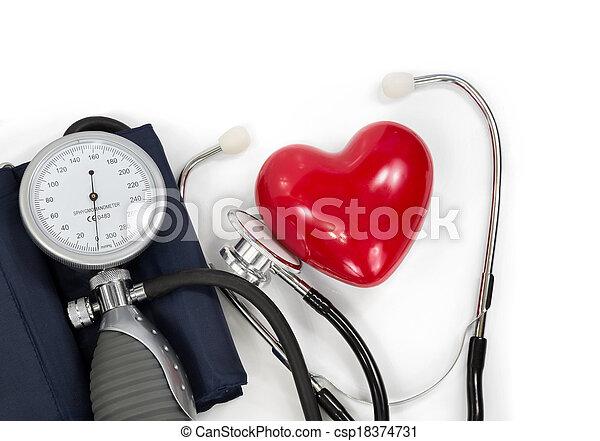 Esfigmomanómetro con corazón - csp18374731