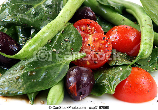 Spinach Salad - csp3162868