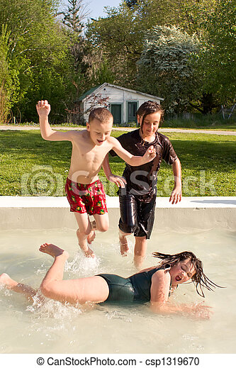 Splashing around 03 - csp1319670