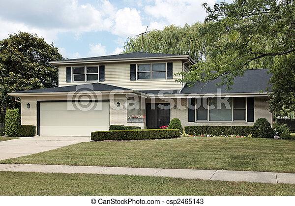 Split level suburban home - csp2465143