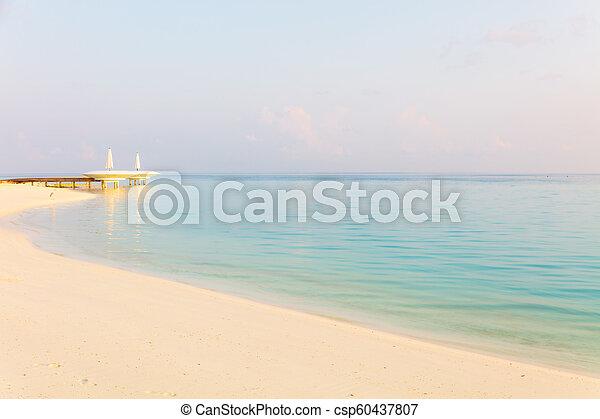 spokojny, seascape., rano - csp60437807