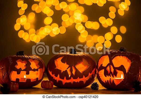 Spooky jack-o'-lanterns - csp40121420