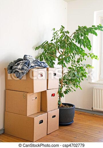 spostamento, molti, scatole, accatastato, stanza - csp4702779