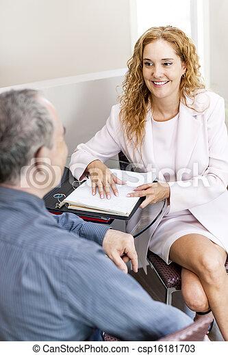 spotkanie, handlowe biuro - csp16181703