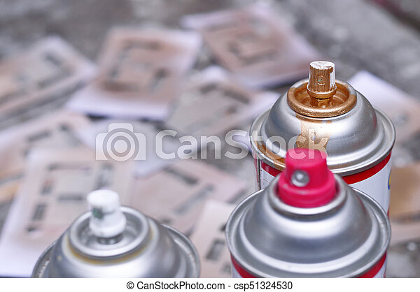 spray paint focus in gold - csp51324530