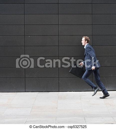 spring, affärsman - csp5327525