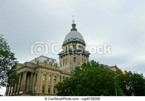 Springfield Capitol Dome and Building - csp8158390