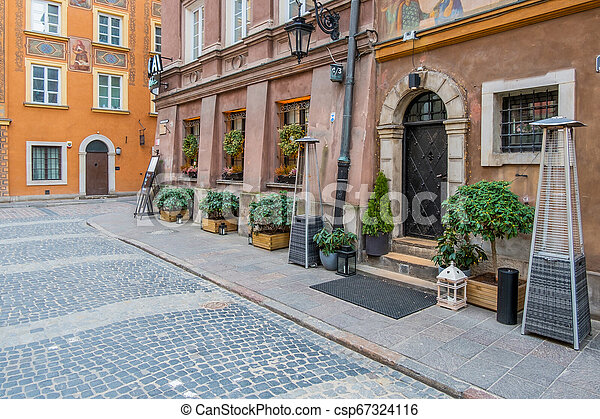 Square in Old Town of Warsaw, Poland - csp67324116
