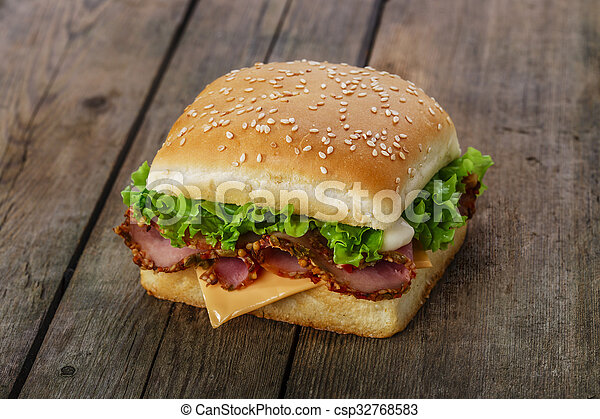 square sandwich with ham and cheese - csp32768583