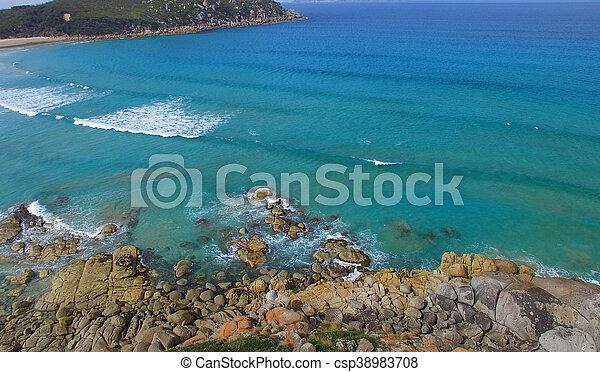 Vista aérea de playa chillona, promontorio de Wilsons - csp38983708