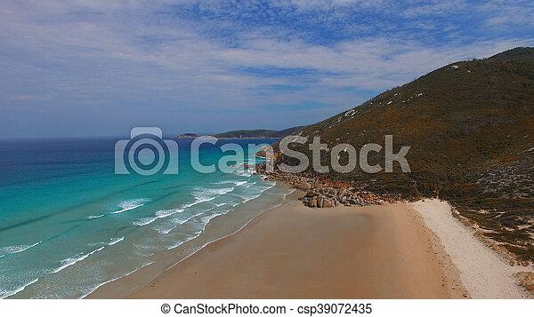 Vista aérea de playa chillona, promontorio de Wilsons - csp39072435