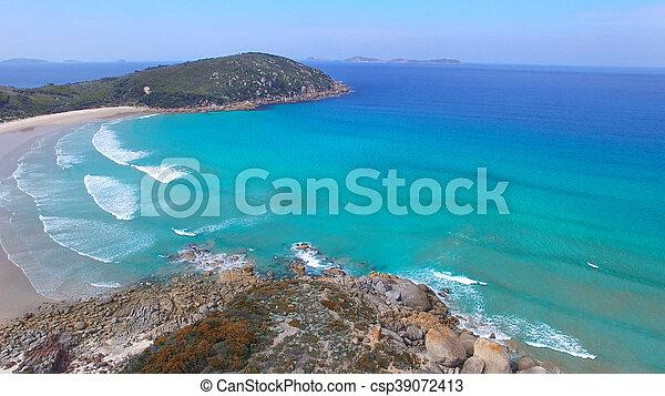 Vista aérea de playa chillona, promontorio de Wilsons - csp39072413