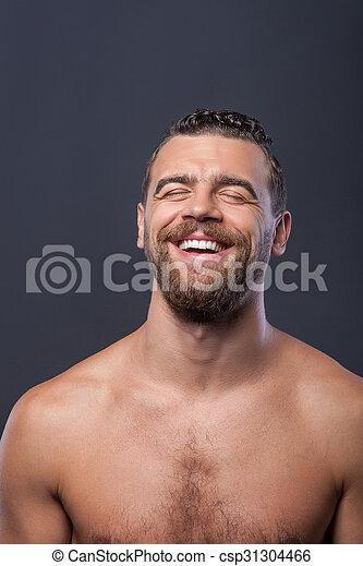 Šťastný chlap kouření