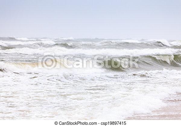 Stürmisches Meer - csp19897415