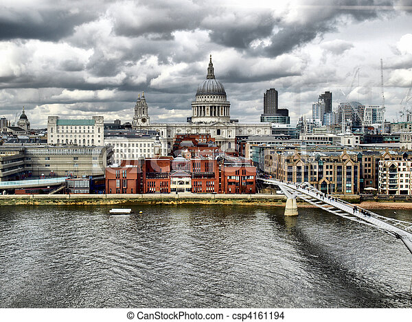 St Paul Cathedral, London - csp4161194
