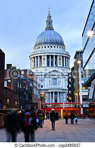 St. Paul\'s Cathedral London at dusk - csp2485937