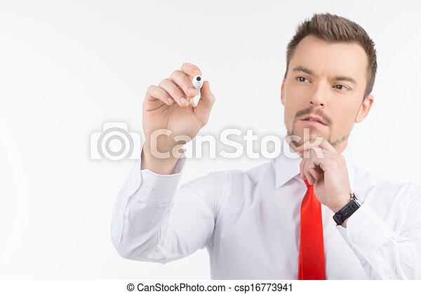 staand, nadenkend, mannen, whiteboard, vrijstaand, jonge, zeker, terwijl, businessman., iets, black , schrijvende , transparant - csp16773941