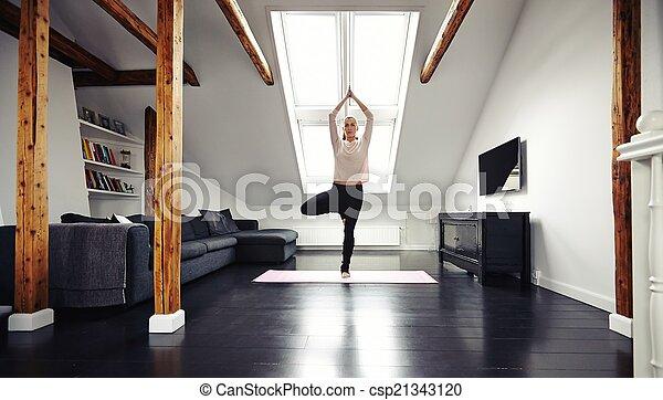 staand, positie, vrouw, yoga, jonge - csp21343120