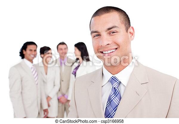 staand, zijn, team, voorkant, zakenman, vrolijke  - csp3166958