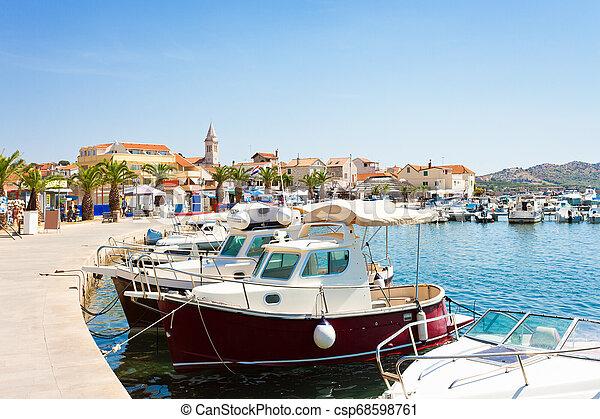 stadt, altes , pakostane, porto , pakostane, -, kroatien - csp68598761