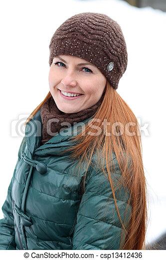 stadt, glückliche frau, winter, junger - csp13412436