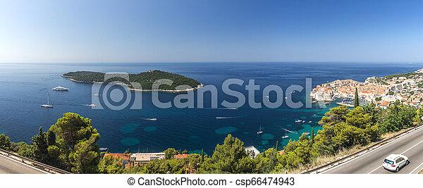 Die Altstadt von Dubrovnik in Croatia - csp66474943