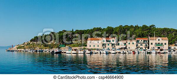 Bootsanlegestelle, Stadt Makarska - csp46664900