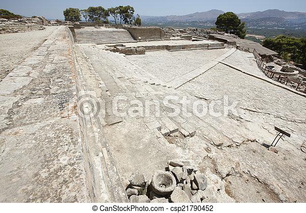 Phaestos minoan palatial Stadtruine in Kreta. Griechenland - csp21790452