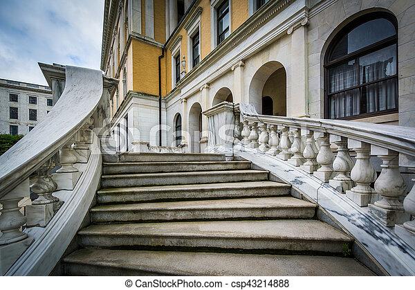 Stairs to the Massachusetts State House, in Beacon Hill, Boston, Massachusetts. - csp43214888