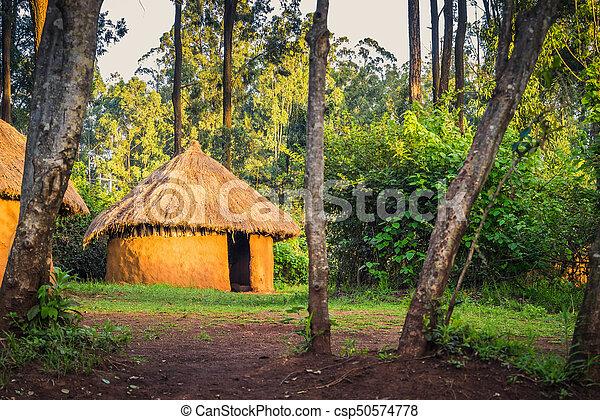 Traditionelles Stammes kenyan Landhaus, Bomas of kenya, nairobi - csp50574778