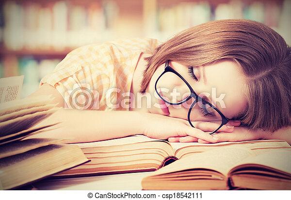 stanco, biblioteca, in pausa, libri, studente, ragazza, occhiali - csp18542111